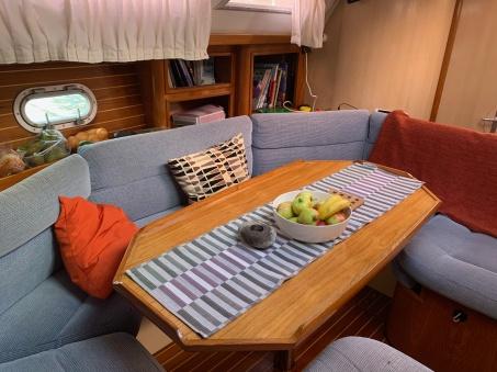 SUN-ODYSSEY-36-interior